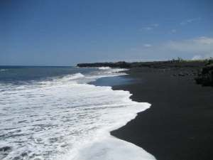 black-sand-beach-kalapaha2