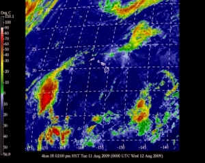 Tropical Storm Maka reaches around Kauai to connect to Felicia remnant low