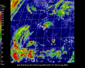 Current satellite shot of Hawaii and what appears to be a bit of energized Felicia North of Maui/Big Island